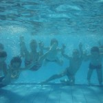 Rafraichissement dans la piscine