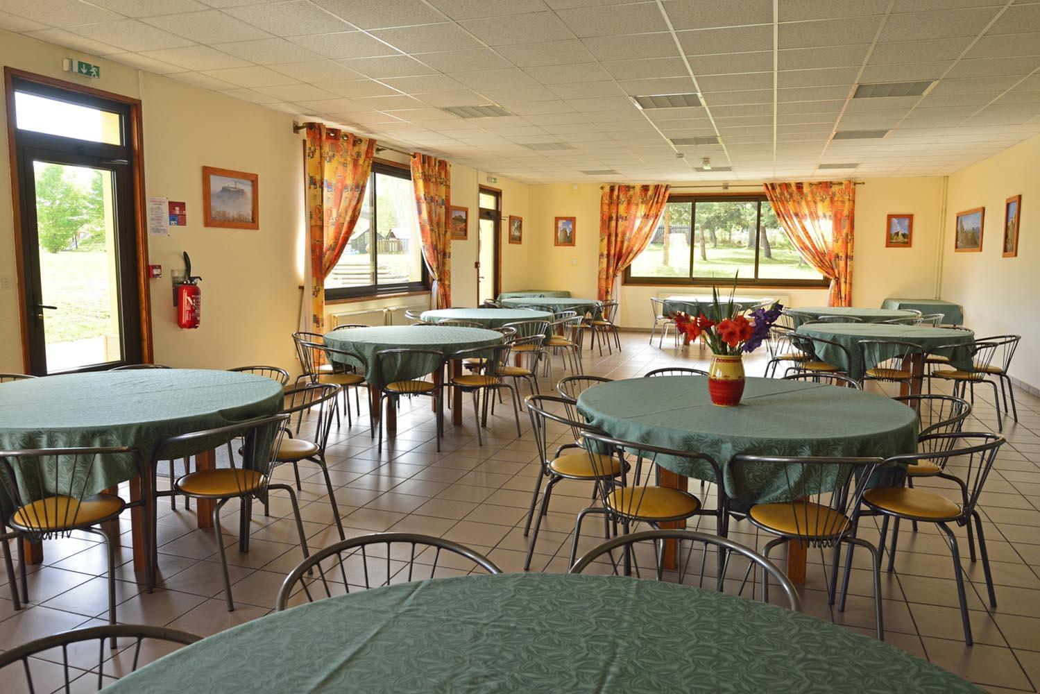 Vacances c libataires domaine de chadenac for Salle a manger vilvoorde restaurant